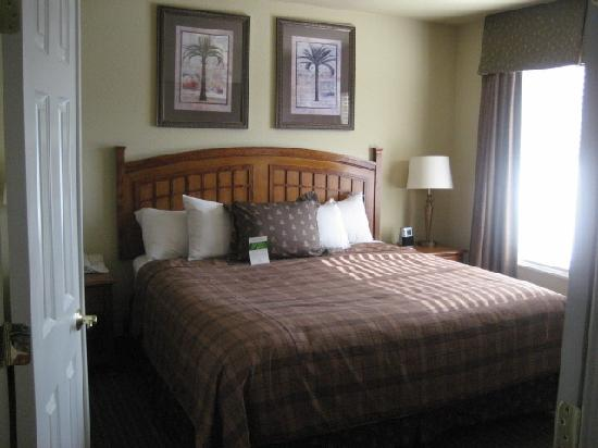 HYATT house Pleasant Hill: Cozy bedroom