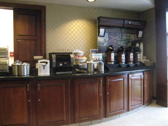 HYATT house Pleasant Hill: Complimentary breakfast