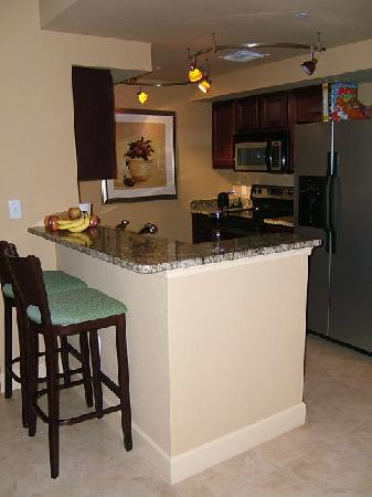 Lake Eve Resort: kitchen