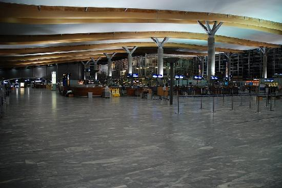 Gardermoen, Norway: OSL's spacious departure hall