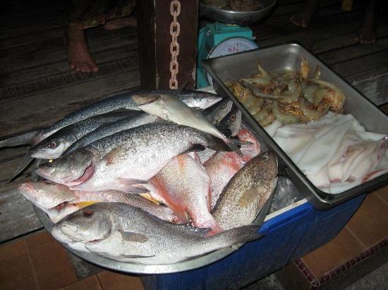 Mama's Place: Chhose yor fish