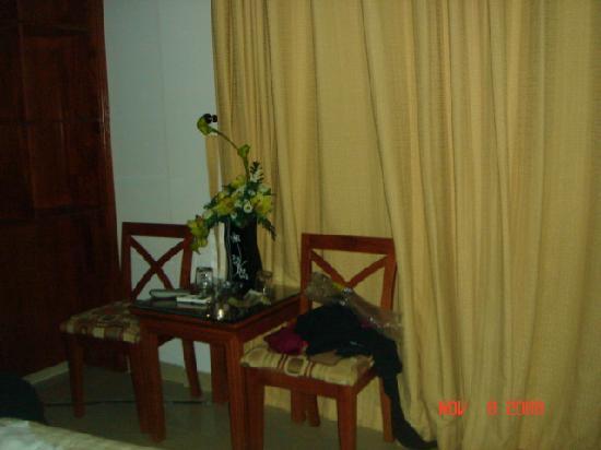 Hoang Phong Hotel : chair