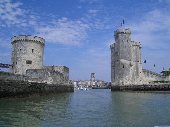 Leaving the vieux port picture of la rochelle charente maritime tripadvisor - Restaurant vieux port la rochelle ...