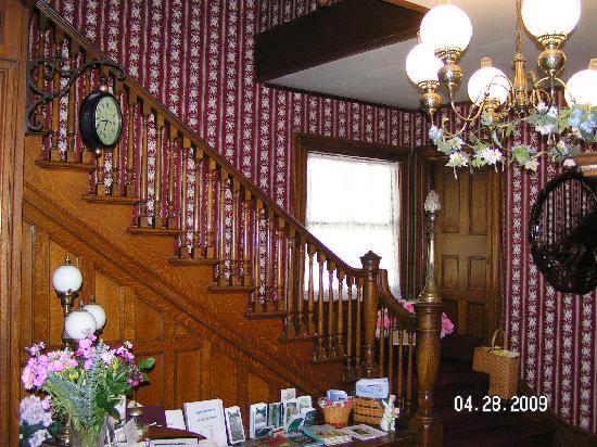 Whistling Swan Inn: Victorian splendor