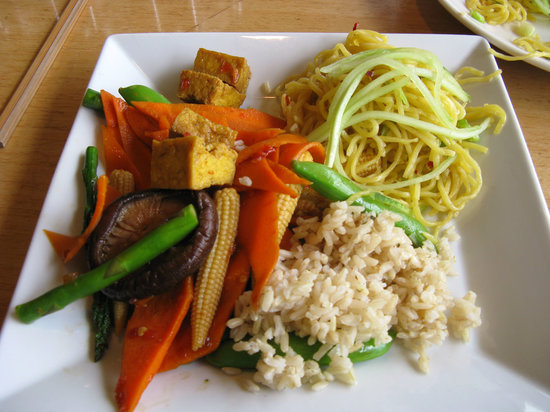 vegetable tofu stir fry with noodles