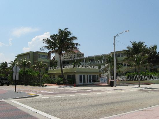 Silver Seas Beach Resort: front