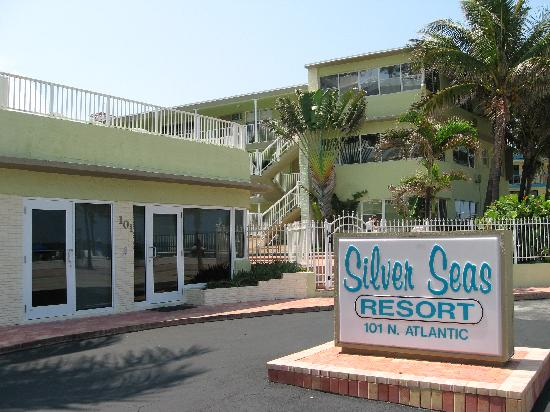 Silver Seas Beach Resort: office