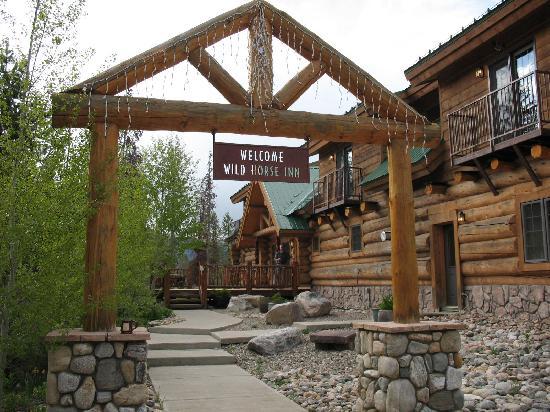 Wild Horse Inn : Entrance to the Inn