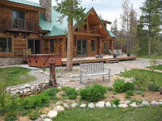 Wild Horse Inn : The back porch