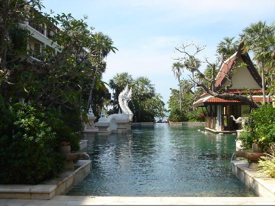 Dor-Shada Resort by The Sea: Pool area
