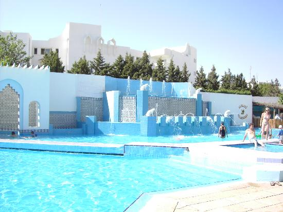 Orient Palace Hotel: swimming pools