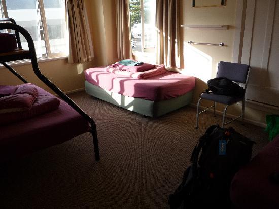 YHA Napier: room