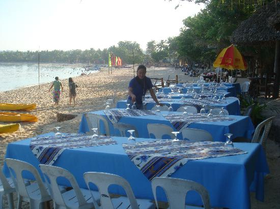 Terra Rika Dive Resort: Buffet Dining at CasaBlanca Seaside Grille