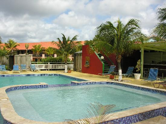 Sand Dollar Condominiums: The pool at the restaurant and bar at the Sand Dollar Resort