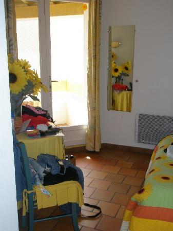 Hotel Les Amphores : camera tournesol