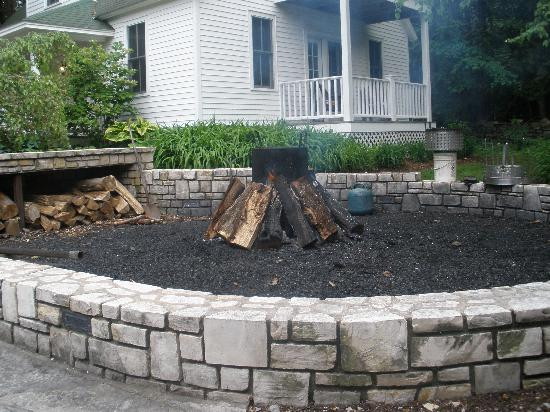 Fire Pit Picture Of White Gull Inn Fish Creek Tripadvisor