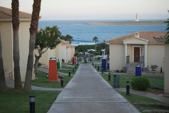 Insotel Punta Prima Resort & Spa : Leading down to the pool