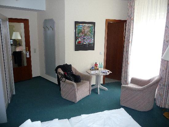 GOLD INN Alfa Hotel : Zimmer 51