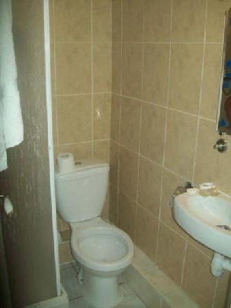 Le Bervic Montmartre: bathroom