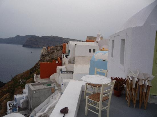 Old Oia Houses: studio view