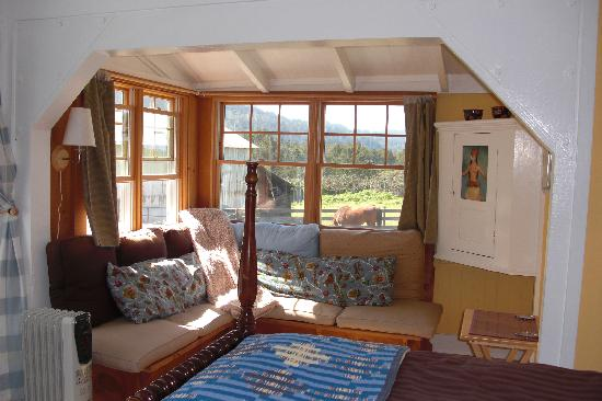 Olema Cottages: The Nest
