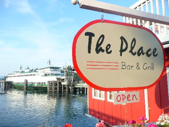 The Place Restaurant & Bar : Proximity to ferry terminal