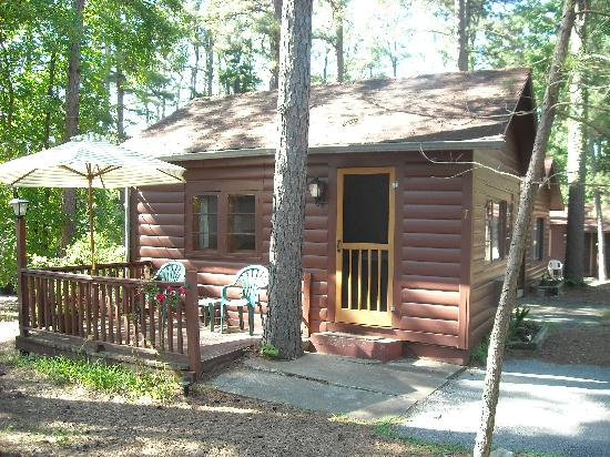 Tall Pines Inn: cabin #7