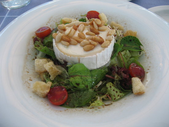 Can Majó: The cheese (brie) salad...amazing!