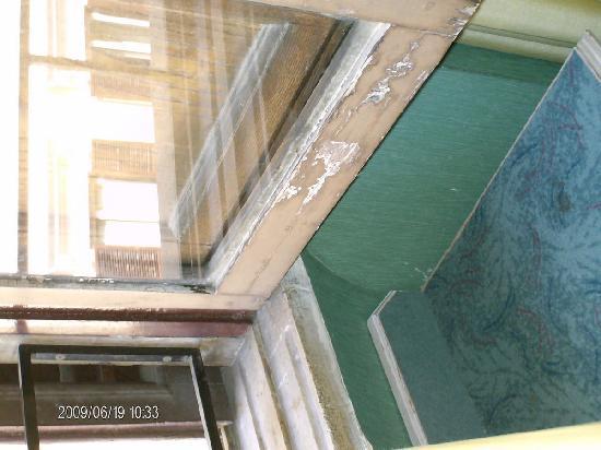 Ara Pacis Hotel : finestra
