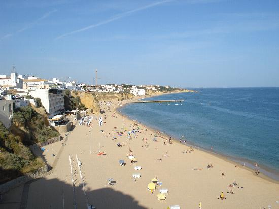 Aparthotel Olhos d'Agua: The beach at Albufeira - from above