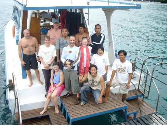 Lumbalumba Diving: The boat and crew