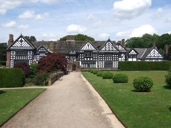 Speke hall tudor house garden