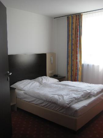 AZIMUT Hotel Vienna: Room