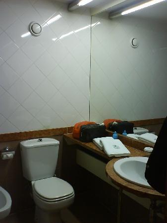 Hotel Granollers: baño dos