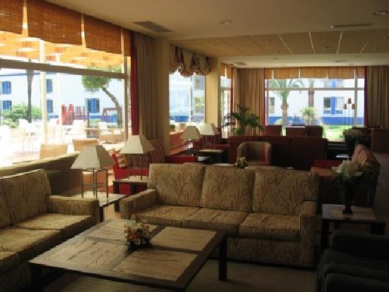 Parador de Benicarló: The Lounge