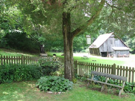 Roan Mountain State Park: The Miller Homestead barn