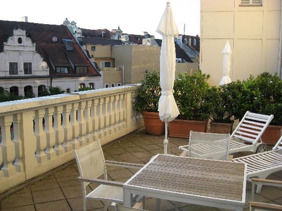 Mandarin Oriental, Munich: Little Patio was a nice extra