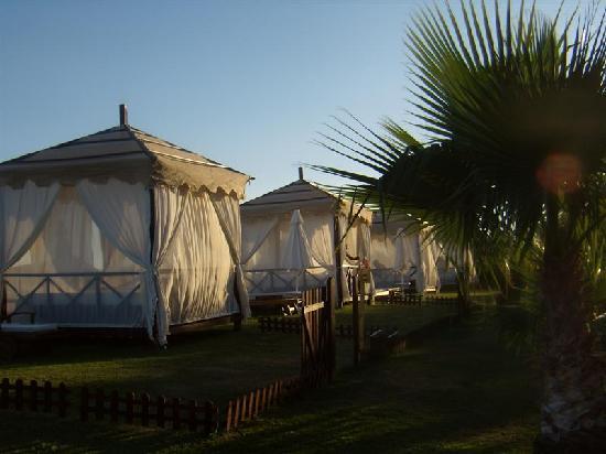 Limak Atlantis Deluxe Hotel & Resort : Sultan huts