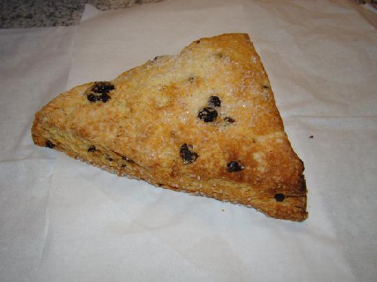 Scratch Baking Co.: Currant scone