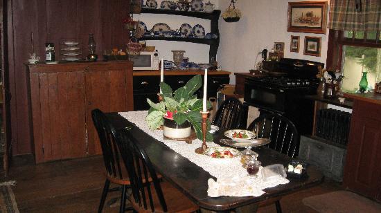 The Daniel Rust House: Kitchen