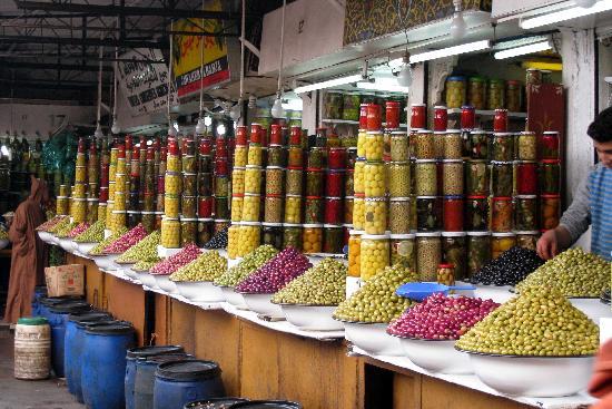 Riad Elizabeth: olives souk