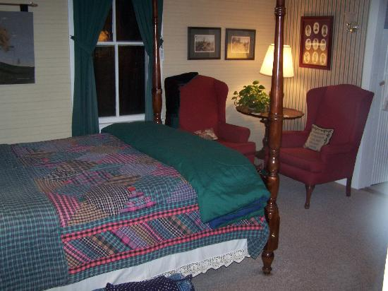 1902 Turnpike House B&B: Clean and Comfortable