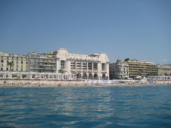 Hotel from the water picture of hyatt regency nice for Hotels 4 etoiles nice