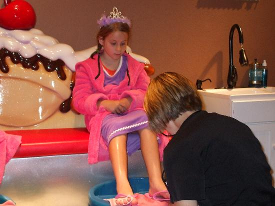 Great Wolf Lodge Concord: The pedicure!