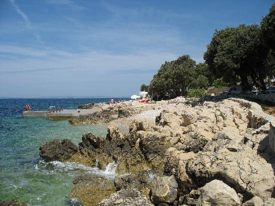 Lun, Croacia: Spiaggia privata hotel