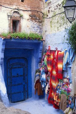 Dar Echchaouen : Lots of woven goods to buy