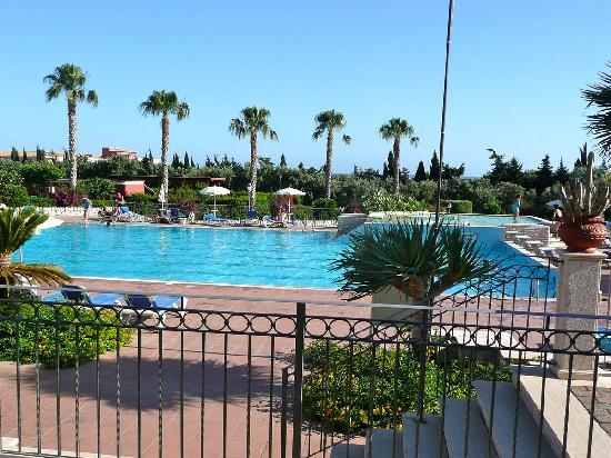 Baia Samuele Hotel Villaggio: una delle piscine baia samuele
