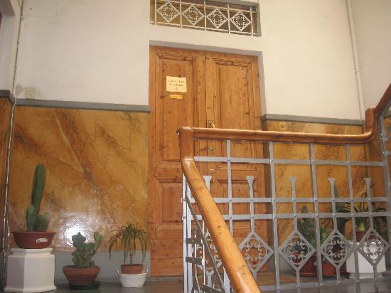 A Beautiful Florence: The B&B Villa entrance