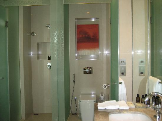 Manzil Downtown Dubai: Note the frosted glass for privacy