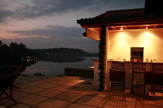 Kalla Bongo Lake Resort: Barretje